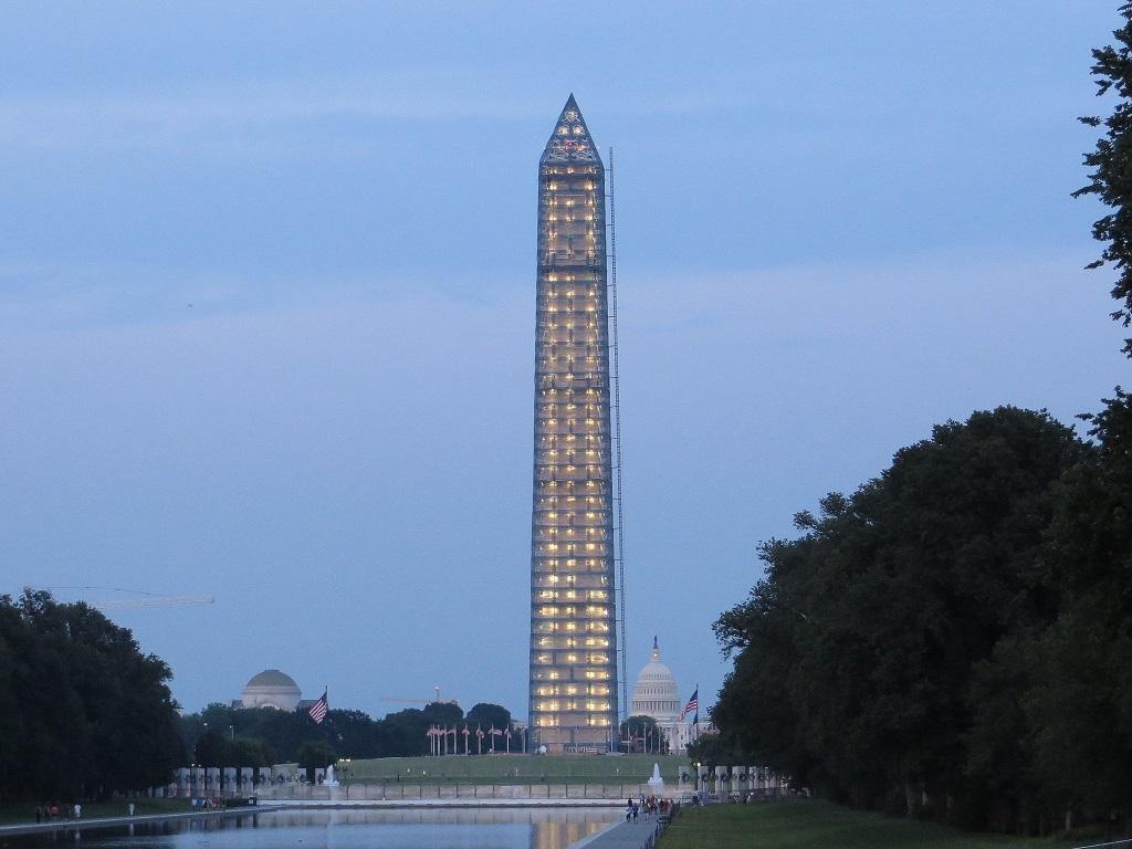Washington monument scaffolding night
