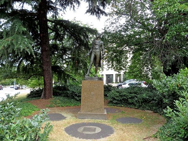 13-Emmet_Statue