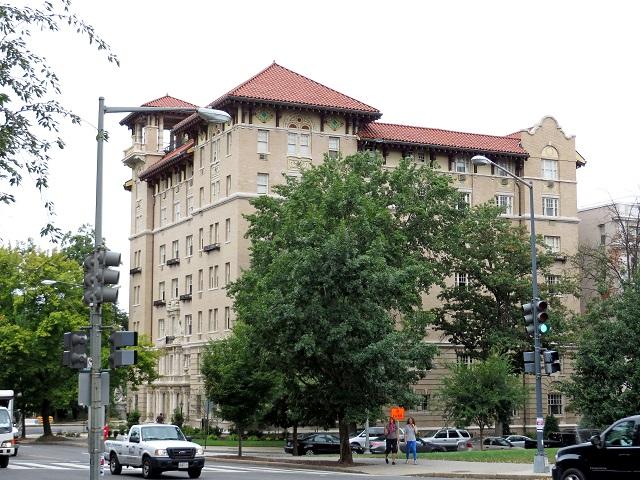 18-Woodward_Condominium