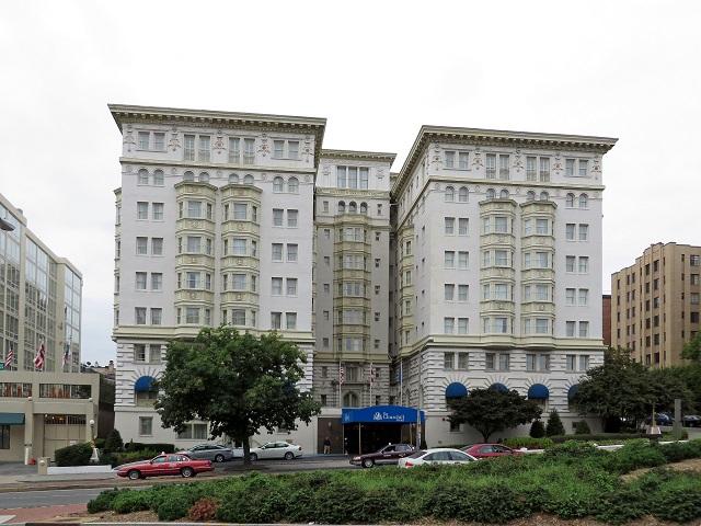 25-Churchill_Hotel