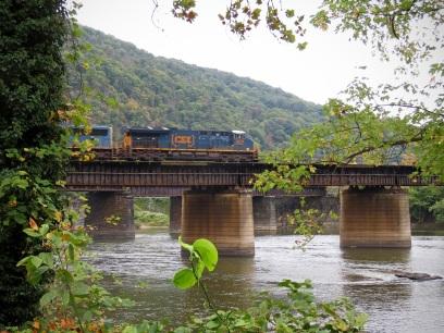 Train crossing the Potomac River